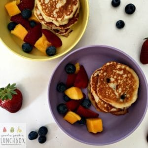 delicious freezer and lunchbox friendly apple and blueberry pancakes. Refined sugar free so perfect for baby led weaning and toddlers too