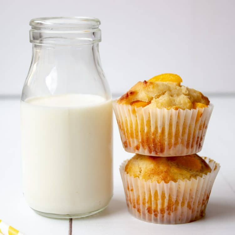 peach ricotta and vanilla bean muffins