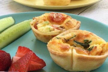 Quick and Easy Lunchbox Quiches, a protein packed savoury option for the lunchbox that is totally kid approved and freezer friendly