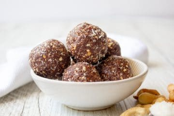 Cashew Cacao and Berry Energy Bites