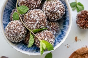 chocolate peppermint bliss balls