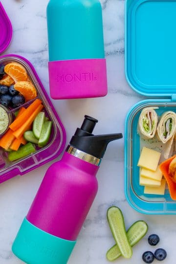 picture of kids bento boxes and drink bottles