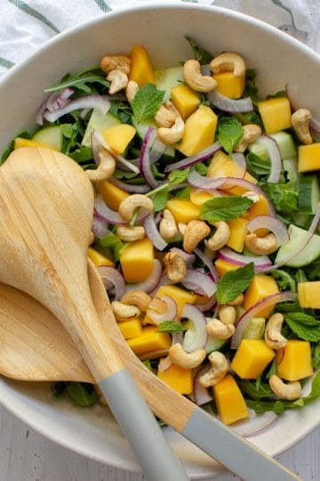 mango cashew salad with lime dressing