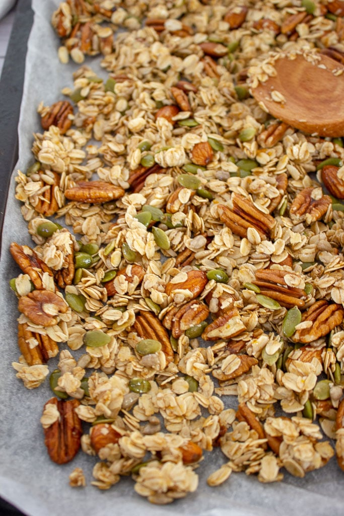 Spread the Honey Pecan Muesli on a tray
